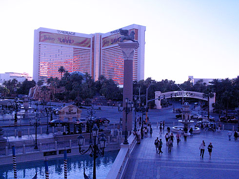 Entrance to The Venetian and The Mirage from above