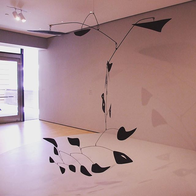 Eighteen Numbered Black by Alexander Calder (mobile in SFMOMA)