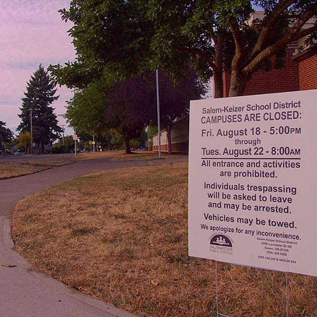 Salem School District no trespassing during Eclipse sign