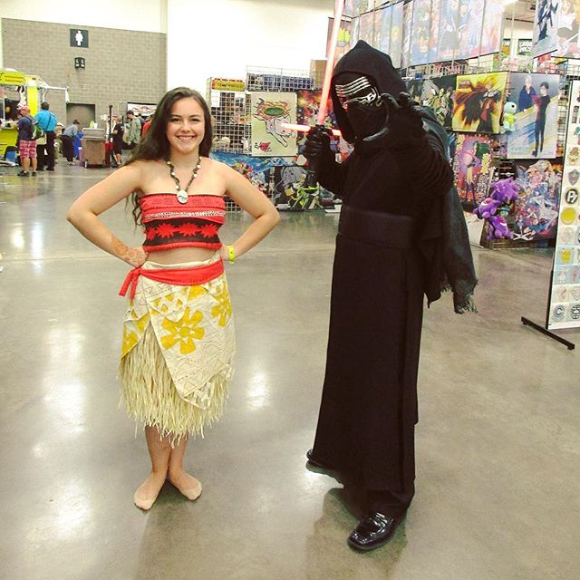 Moana and Kylo Red together at Wizard World Comic Con (Madison)