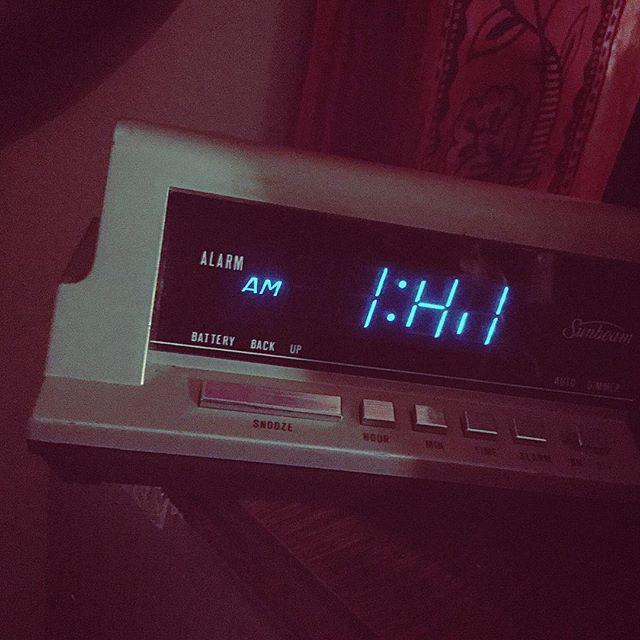 Clock says it's IHI - broken digital clock jokes