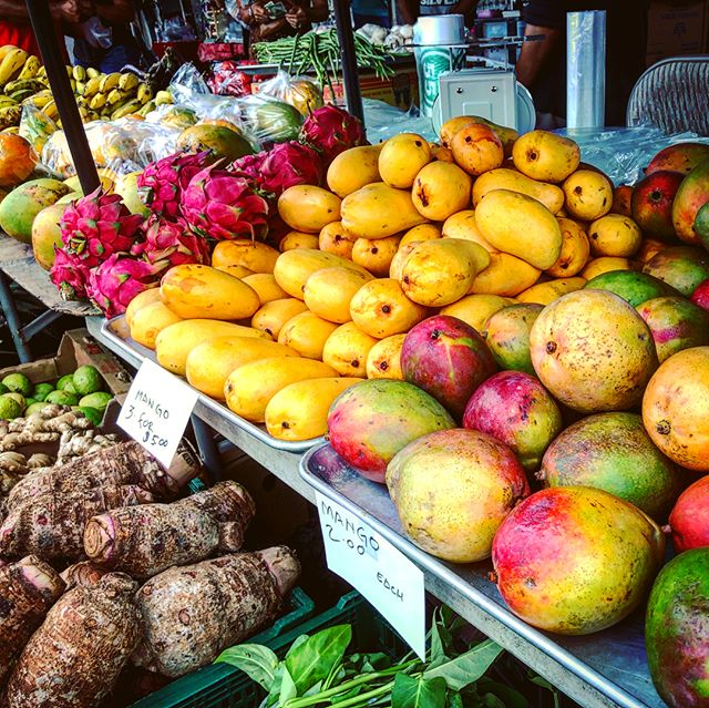 Local Mango, Dragon Fruit, and more at Maku'u Farmers Market
