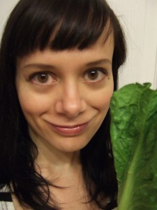 Rachelle Fordyce with raw food